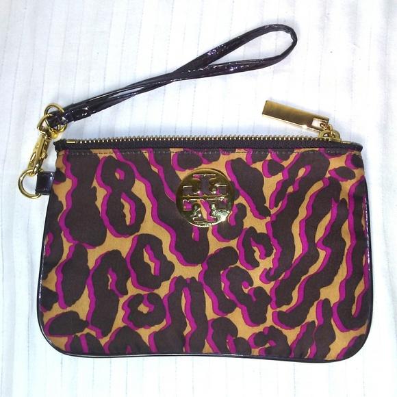 Tory Burch Handbags - Tory Burch Wristlet
